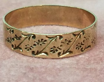 Victorian 10K Yellow Gold Engraved Band