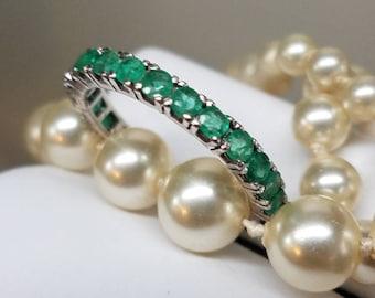 Vintage 18K White Gold Emerald Eternity Band