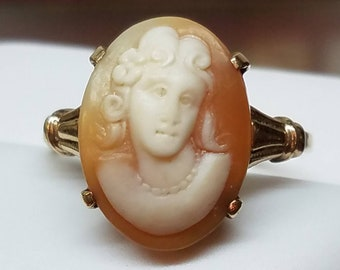 Vintage 14K Yellow Gold Cameo Ring