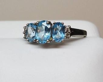 Vintage 10K White Gold  Blue Topaz Triple Ring