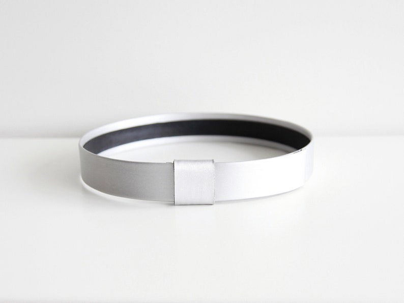 Silver waist belt  Modern and minimalist leather look women image 0