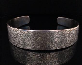 """Cuff Bracelet CB112 Hammer Textured Stainless Steel Minimalist Men or Women Size 7-1/2"""""""