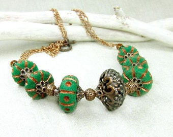 Ethnic green necklace.