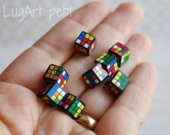 One Rubik's Cube for your dollhouse (8x8mm)