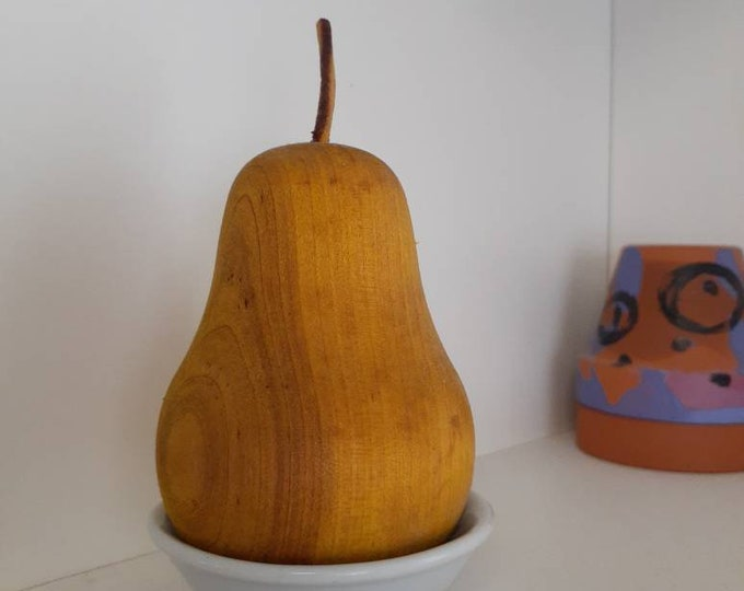 Vintage Wood Pear Scented