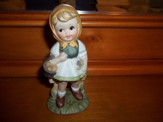 Girl figurine vintage