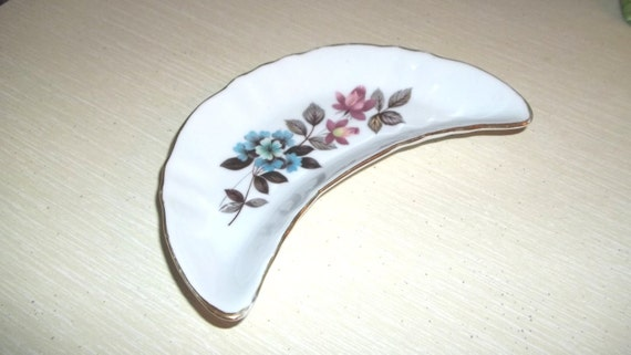 FINE CHINA TRAY Gold rimmed flowered crescent-shaped fine art ceramic