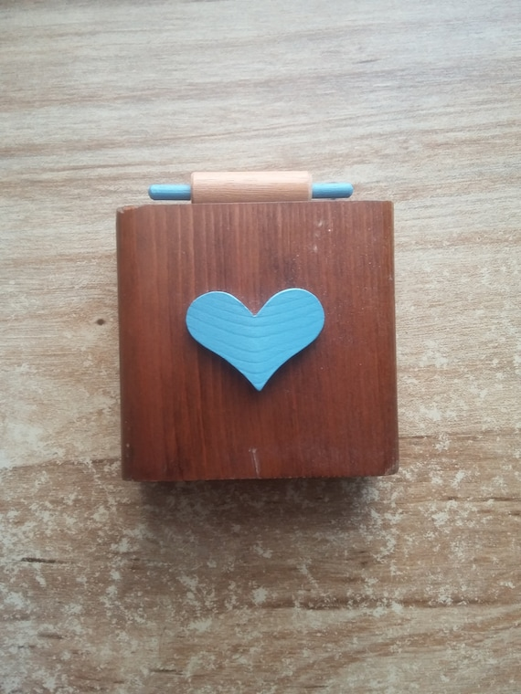 RECIPE HOLDER VINTAGE dark wood country cottage cook baker blue heart charming cozy comfort cute mini rolling pin