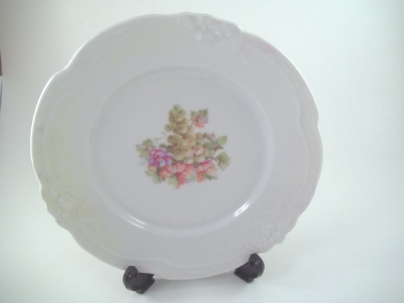 Germany dinner plate scalloped edge purple green grapes design painted beautiful