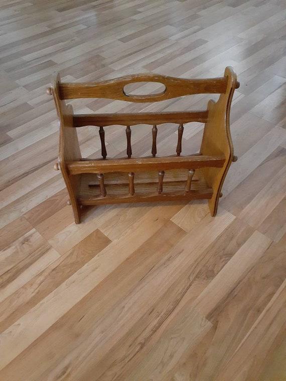 Magazine stand wood