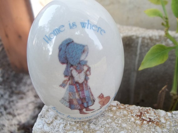 HOLLY HOBBIE CERAMIC rare happy home true happiness egg painted with girl holding cat kitten from the seventies adorable collectible