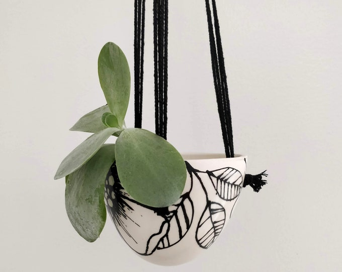 Featured listing image: Small Macrame hanging planter