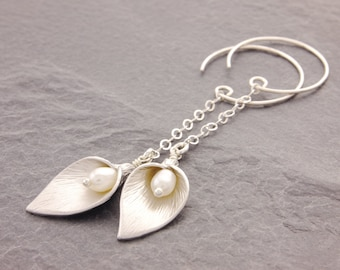 Calla Lily Earrings, calla earrings, calla lily jewelry, gifts for her, flower earrings, mothers jewelry, gifts for mom, N6