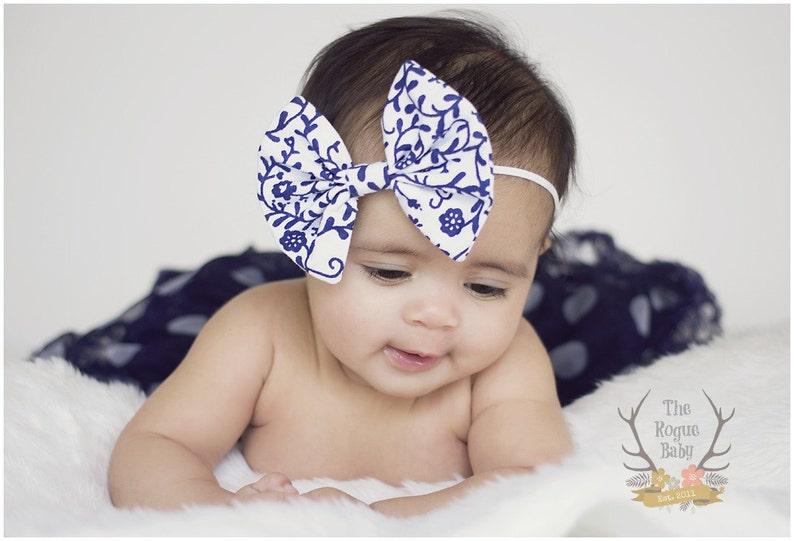 White & Navy Blue Damask Like Floral Fabric Bow Skinny image 0