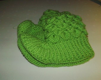Lime Green Crocodile Stich Booties (Size 6.5)