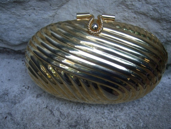 Opulent Gilt Metal Oval Shaped Grooved Evening Bag