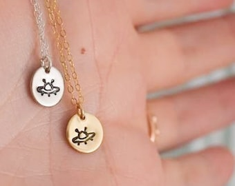 Express Your Love Gifts UFO Alien Fan Gift Alien Psychedelic Circle Necklace Stainless Steel or 18k Gold 18-22