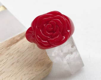 Rosa Acrylic Red Rose Ring - vintage red acrylic rose ring