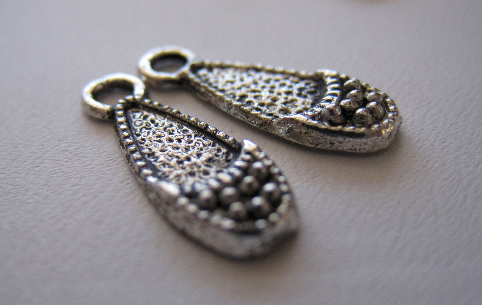 charms antique silver textured ballet flat shoes 16mm charms pendants findings jewelry supplies (lot of 10) by bysupply
