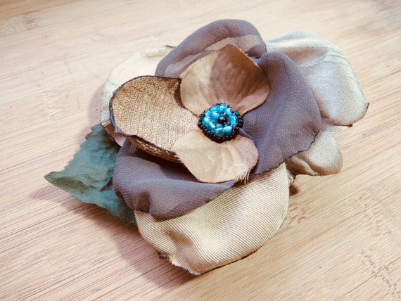 Girls Neutral Beige Vintage Millinery Pin Up Bridesmaids Flower Adornment Mini Hair Clip Fascinator