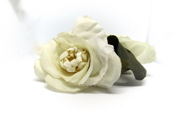Double Creamy White Rose Hair Clip.  Pinup Hair Flower