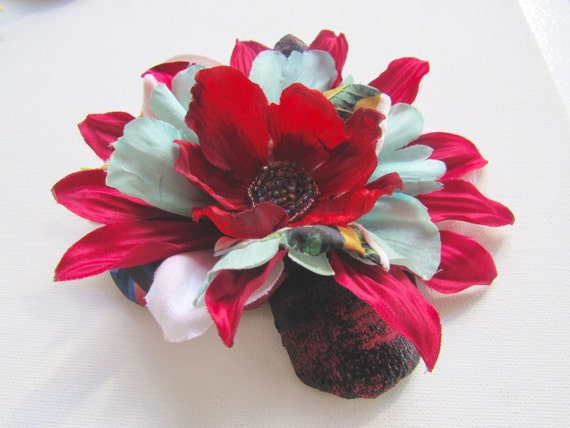 Large Pinup Vintage Style Accessory Ladies Festive Holiday Hair Fascinator Bridal Hairclip Brooch Hat Pin Accessory