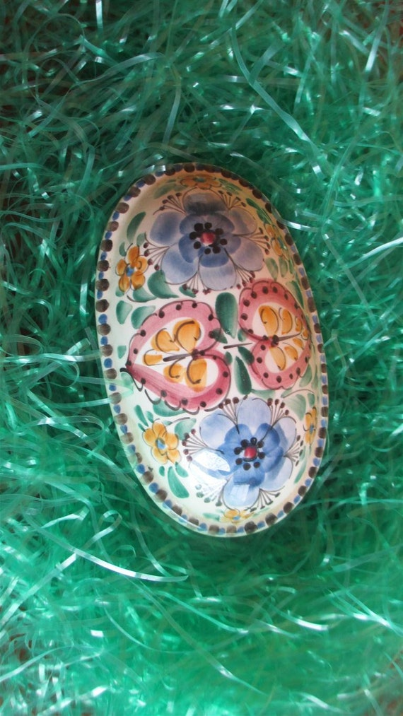 Easter Spring decor! lidded Vintage blue ceramic egg shape trinket dish
