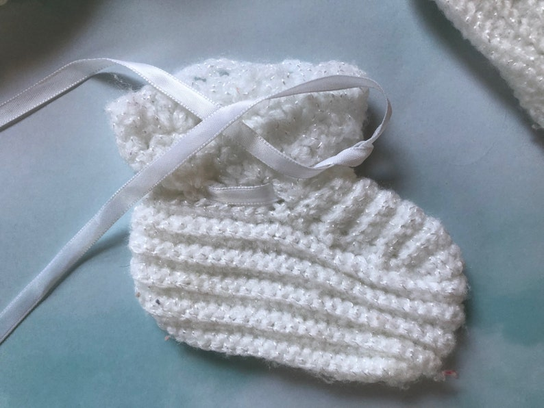 Handmade Crochet Vintage White Baby Bonnet and Booties Newborn to 12 Mos Heirloom Unisex Baby Cap and Booties Baptism Easter