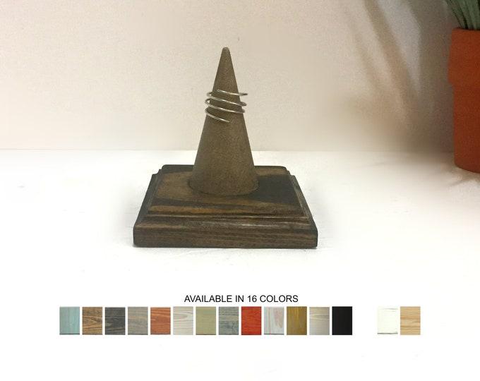 Single Ring Display Cone