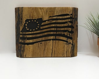 American Betsy Ross Flag Sign Vintage Rustic Wooden Home Decor Wall Hanging Patriotic Art Live Edge Wood