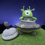 Alan the Alien and his Flying Saucer Spaceship - Amigurumi Crochet Pattern