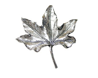 Large Maple Leaf Pendant Magnet