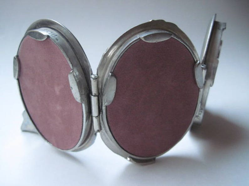 Vintage Seagull Pewter Triple Oval Frame with Bow