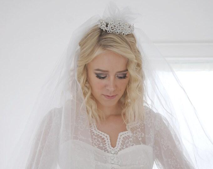 Vintage 1950s crown wedding veil, tiara bridal headpiece, pearls beads tulle SALE