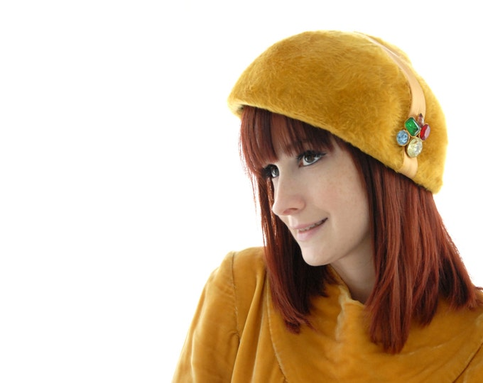 Vintage golden yellow fur hat, gold formal 1950s pin-up rhinestones