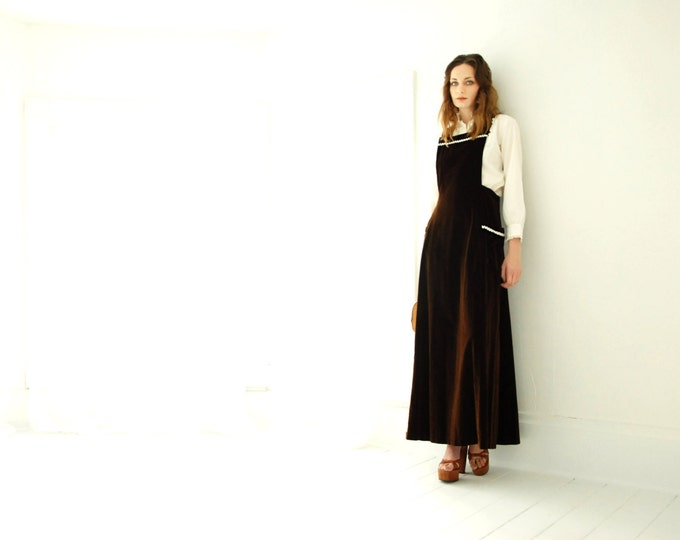 Vintage brown velvet jumper maxi dress pinafore A-line, 1970s boho velveteen S M