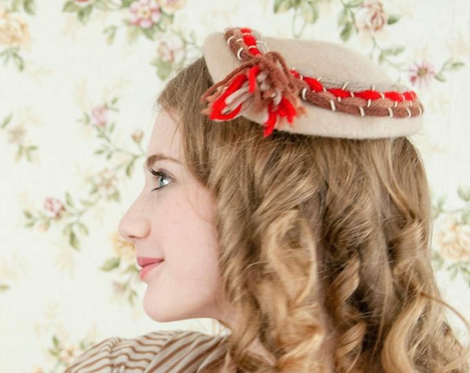 Vintage 1940s beige striped hat, tan brown wool red stripes fascinator headpiece, formal 1950s pin-up