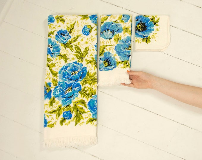 Vintage blue poppies bath towel set, white green cotton floral poppy hand towels, washcloth boho retro bathroom decor gift