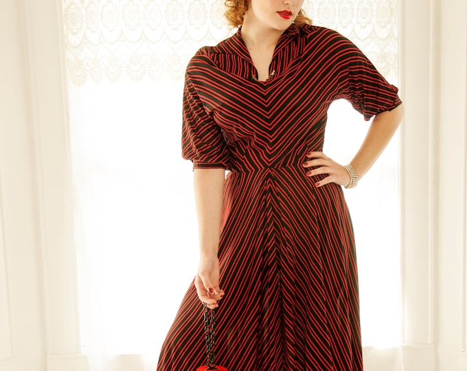 Vintage 1940s red black striped dress, midi chevron half balloon sleeve dolman collar, optical illusion pin-up shift swing nylon, birds, L