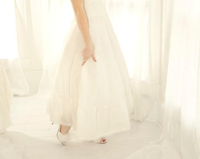 Vintage white crinoline, full long tulle skirt slip petticoat, prom formal bridal wedding dress gown, high-waist shapewear lingerie S 1970s