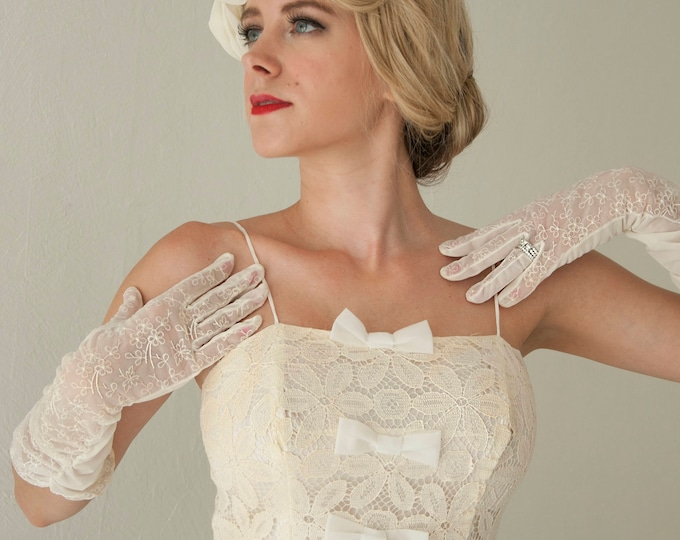 Vintage white embroidered gloves, long sheer floral 1950s wedding formal bridal ladies evening prom dress pin-up