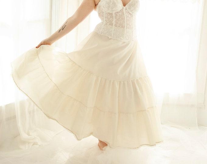 Vintage off-white crinoline, ivory full long tulle skirt slip petticoat, prom formal bridal wedding dress gown lingerie, L XL 1970s