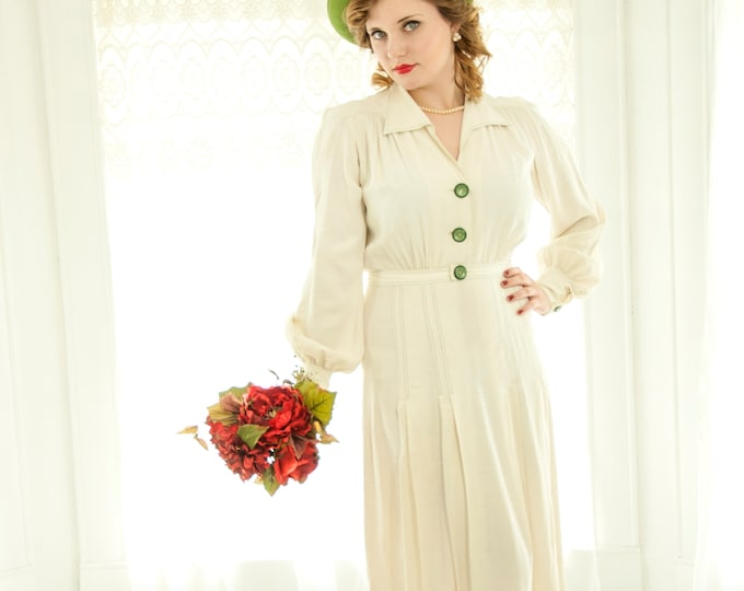 Vintage 1940s white Eisenberg dress, long balloon sleeve, green dots Lucite buttons, silk pleated midi wedding, pin-up, L XL