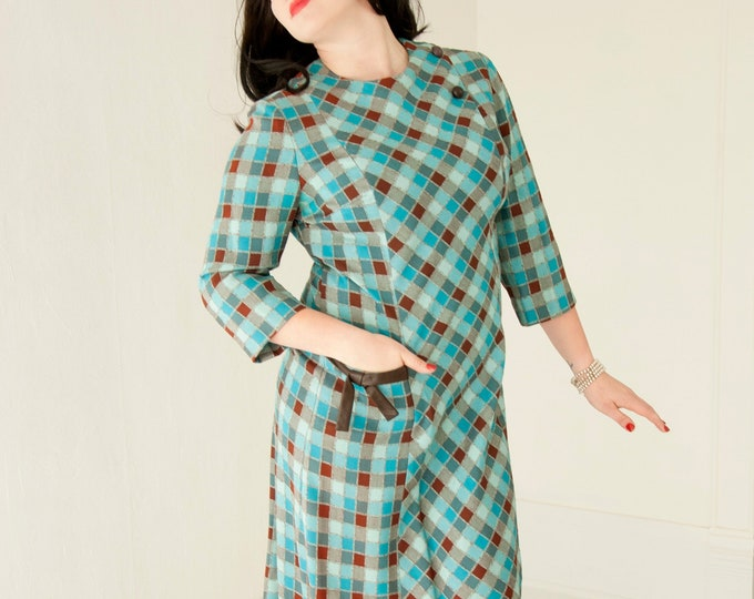 Vintage turquoise plaid dress, 3/4 long sleeves, blue teal brown woven knee-length shift, pocket XL 1960s 1970s retro