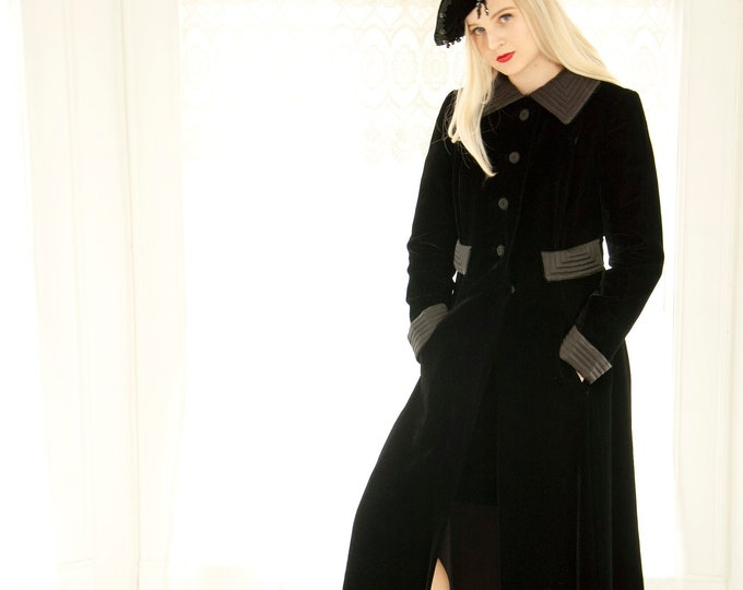 Vintage 1960s black velvet duster coat, collar, long mod opera formal jacket, satin collar XS S 1940s