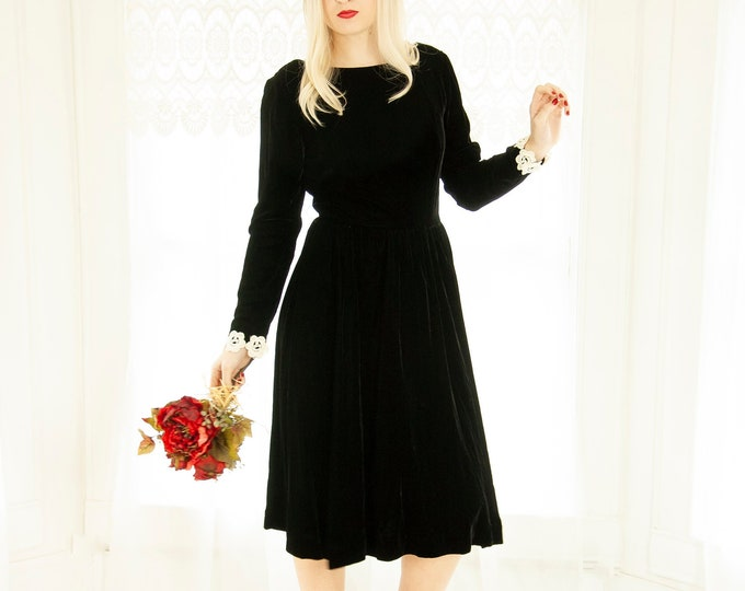 Vintage black velvet long-sleeve dress, knee-length fit and flare formal mod, knee-length, S