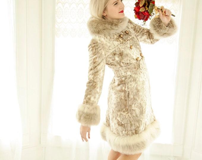 Vintage white faux-fur princess coat, silver ivory gray snow leopard animal print, collar fur, long winter wedding peacoat, 1960s mod XS S