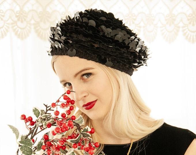 Vintage 1960s black beret, embellished floral paillettes sequins slouchy mod knit tam, crochet acrylic winter Christmas