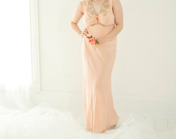 Vintage 1930s pink nightie dress, full slip bias-cut peignoir pin-up lingerie, sheer floral lace embroidered nightgown, long L