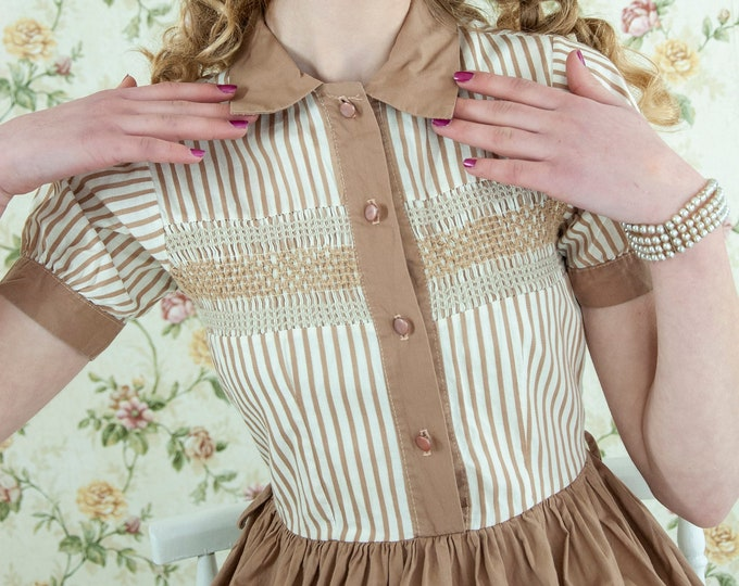 Vintage 1950s tan striped dress, short sleeve cotton collar, white stripes, brown summer fit and flare knee-length, XXS XS petite girls
